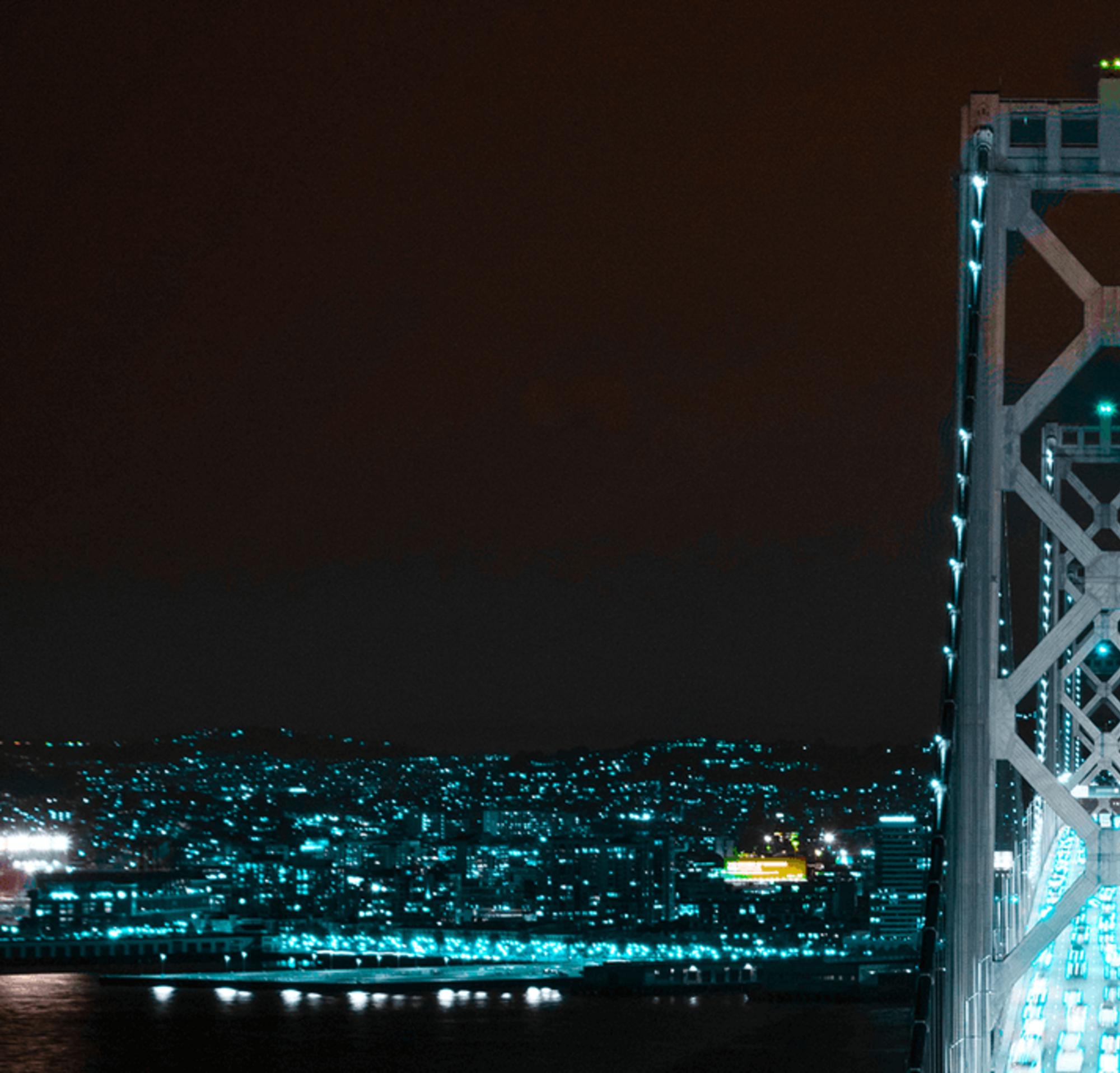 Vista nocturna de San Francisco, donde se observa la Salesforce Tower